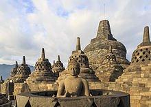 borobudur-temple-park_indonesia_stupas-of-borobudur-04