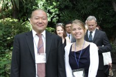 Kazuhiro Sugiyama, Director para Latinoamérica de Grupo Suntory y Nathalie Thonon de la Universitdad de Belgica en Bruselas