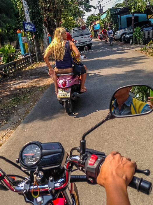 Motorbike to Bang Naam Phung Floating Market