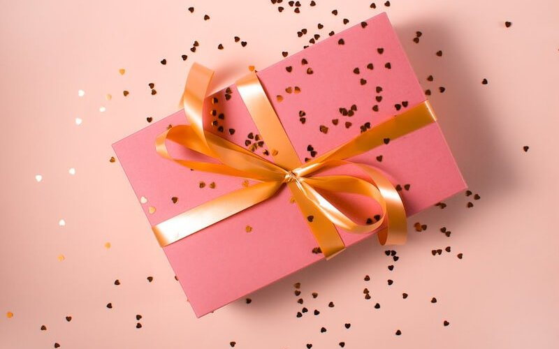Gift Giving Traditions Around the World 1