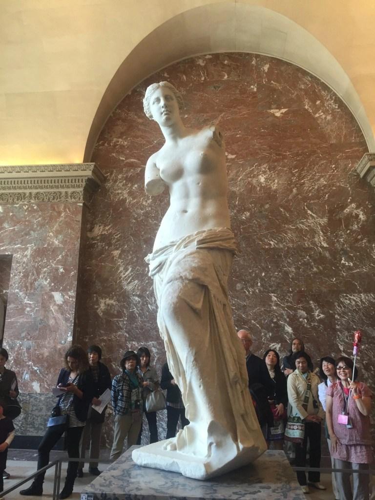 aphrodite_louvre_statue