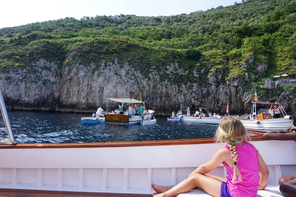 blue_grotto_capri_whales_tour