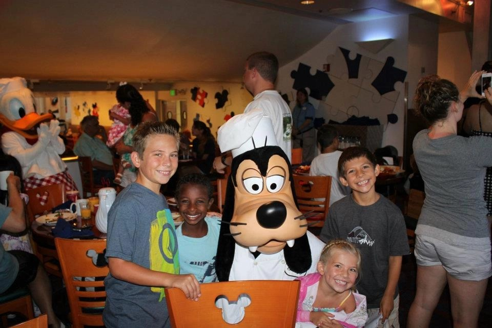 Enjoying a character breakfast at Disneyworld with Goofy