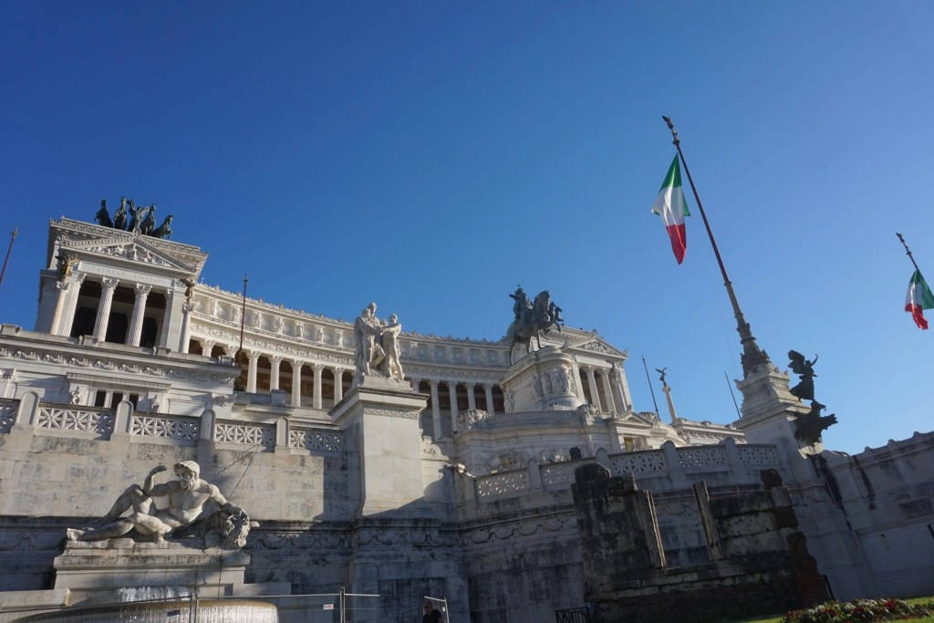 Photo of the Monumento Nazionale a Vittorio Emanuele II  or  Altare della Patria as it is also known. Found in Rome, Italy by Global Munchkins