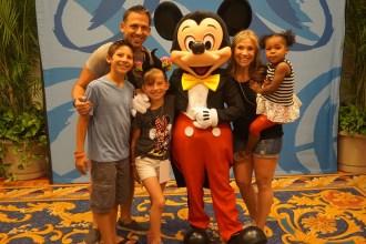 Multi-Cultural Family getting a Photo with Mickey at Disney Social Media Moms Celebration at Disneyworld #DisneySMMC   Global Munchkins