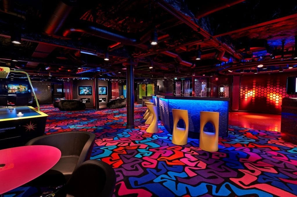 Entouage Teen Lounge on the Norwegian Getaway