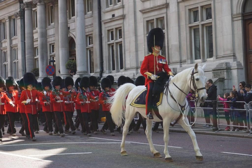 Buckingham Palace Guards Parading | London with Kids | Global Munchkins