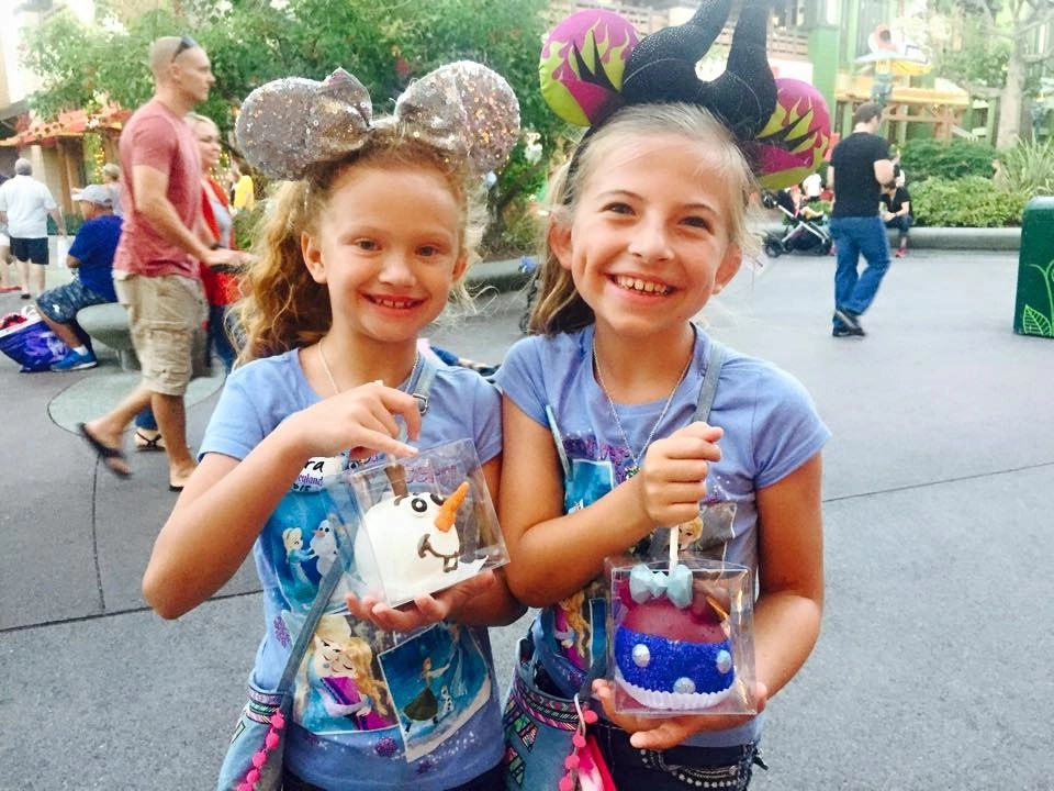 10 Ways to have a Magical Disneyland Birthday | Global Munchkins