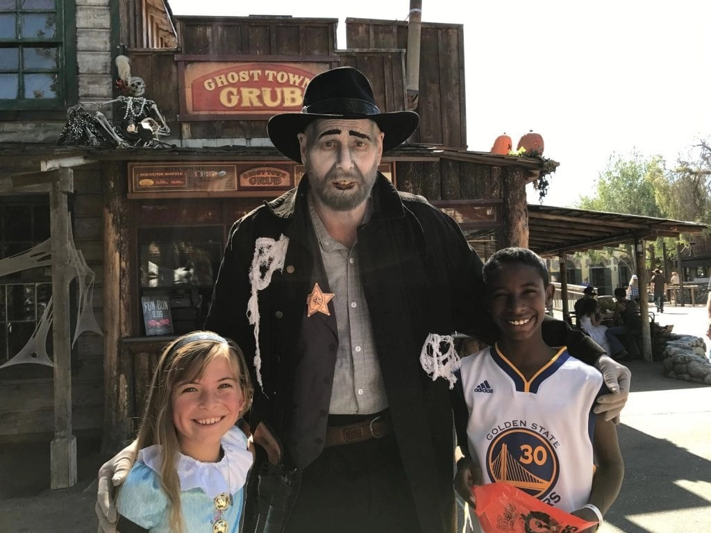 Knott's Spooky Farm Activities | Global Munchkins