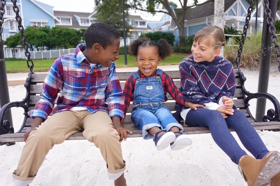Adorable family photo shoot featuring OshKosh B'Gosh Holiday Looks
