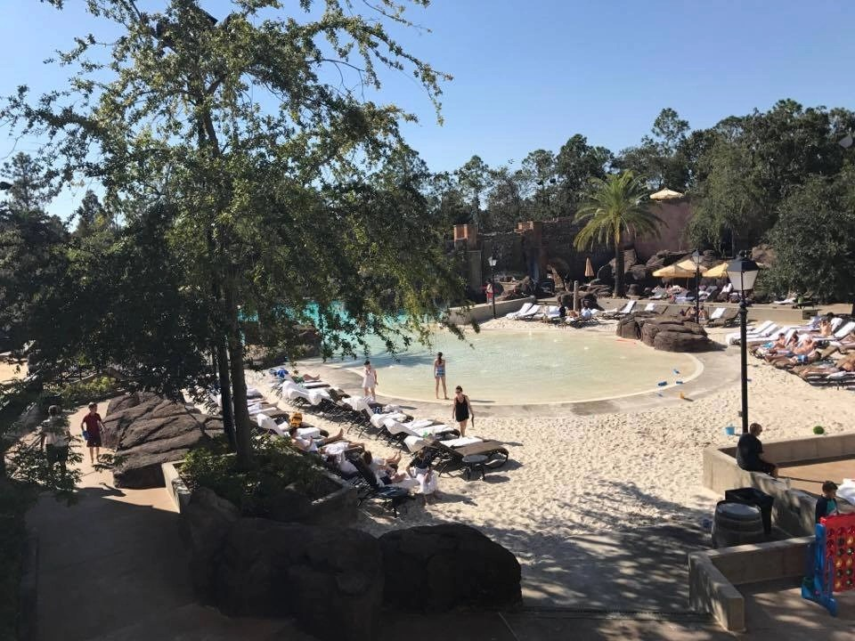 Pool at Loews Portofino Hotel in Orlando. Plus, reasons staying on site is super beneficial when visiting Universal Studios in Orlando