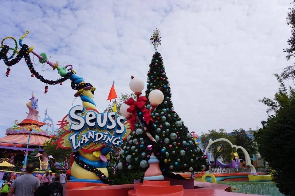 Universal Orlando is decked out for the holidays and the beginning of December is the best time to visit so that you beat the crowds. Find more fantastic tips for Universal Orlando on this post to help you save time and money.