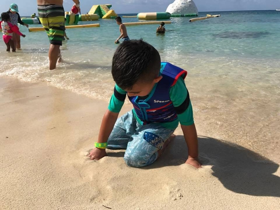 Mr. Sanchos is a fantastic All-Inclusive beach break located in Cozumel Mexico. Perfect shore excursion for families, couples and groups.