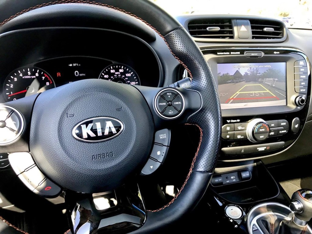 Check out these driving tips for parents of new drivers + see why the Kia Soul makes the perfect car for new drivers.