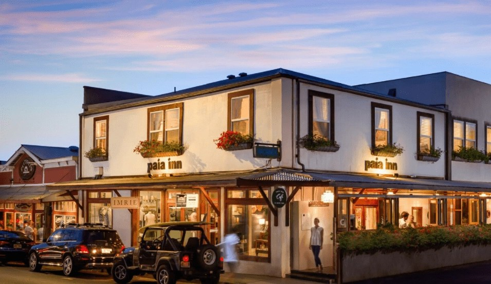 where to stay in maui - paia inn
