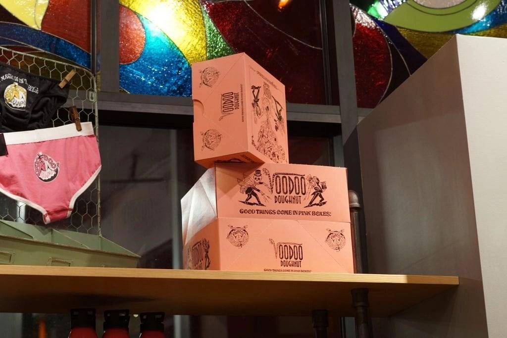 Voodoo Donuts citywalk - Store