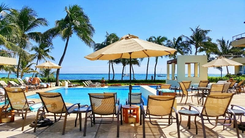 Phoenix Belize Resort is one of the most beautiful luxury resorts for families.