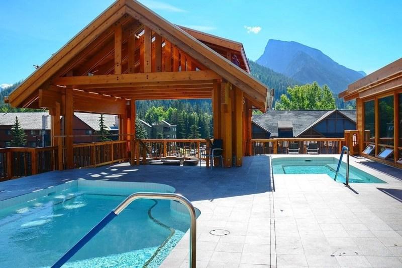 Moose Lodge - Banff