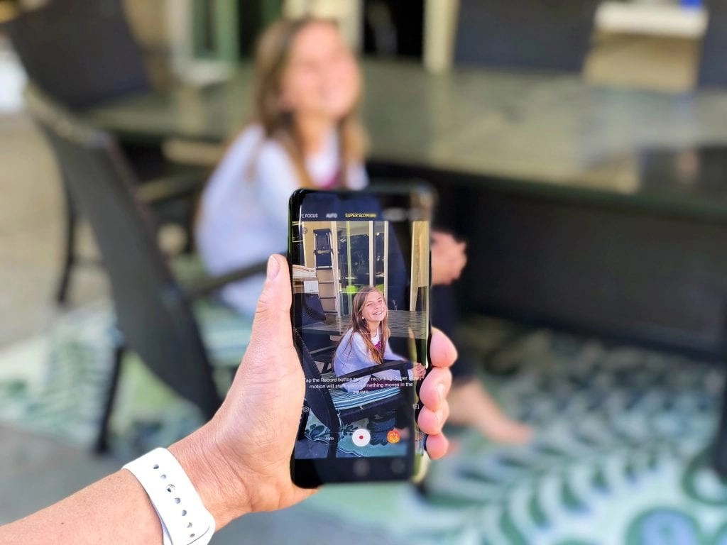 Samsung Galaxy S(+ has incredible camera features.
