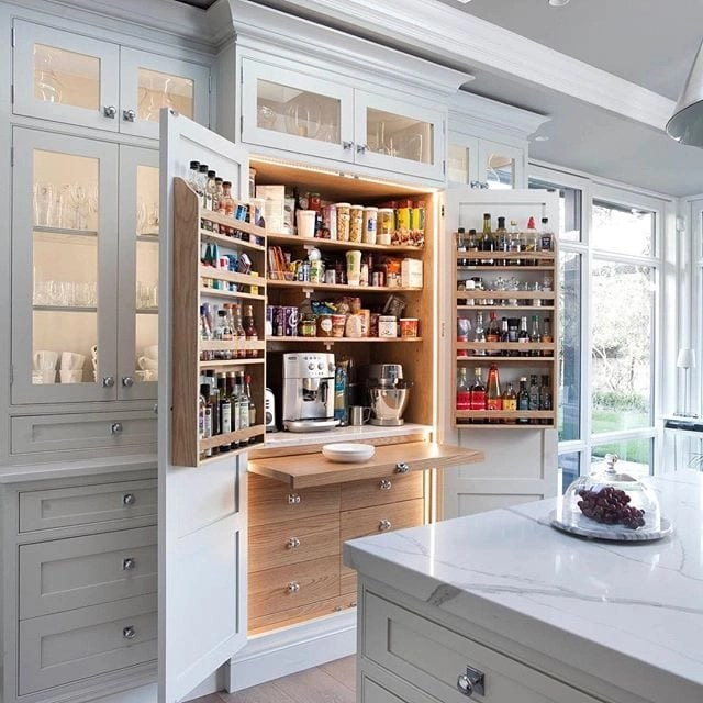 I am obsessed with these gorgeous white kitchens.