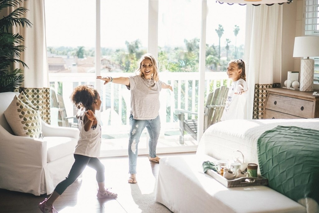 Teach your daughter her worth with these simple ways to help empower your daughter today