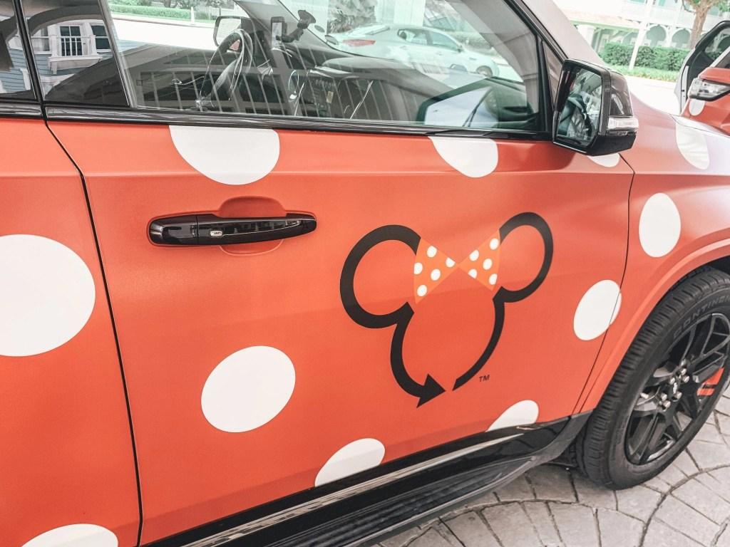 Minnie Van Service - Disney Tranportation