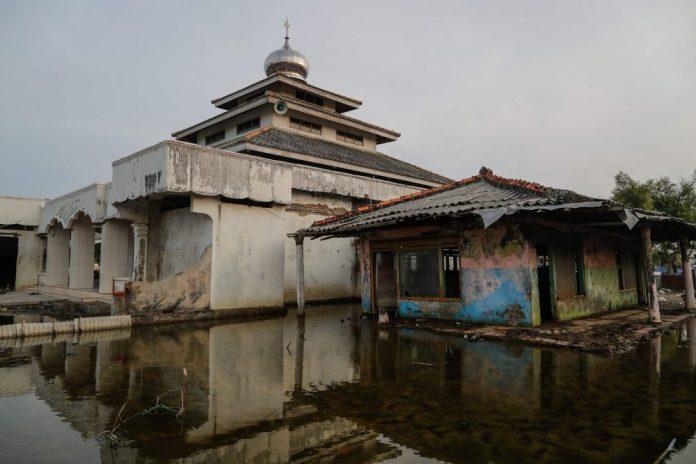 Indonesia Locks Coronavirus Quarantine Breakers In Haunted Houses National Globalnews Ca