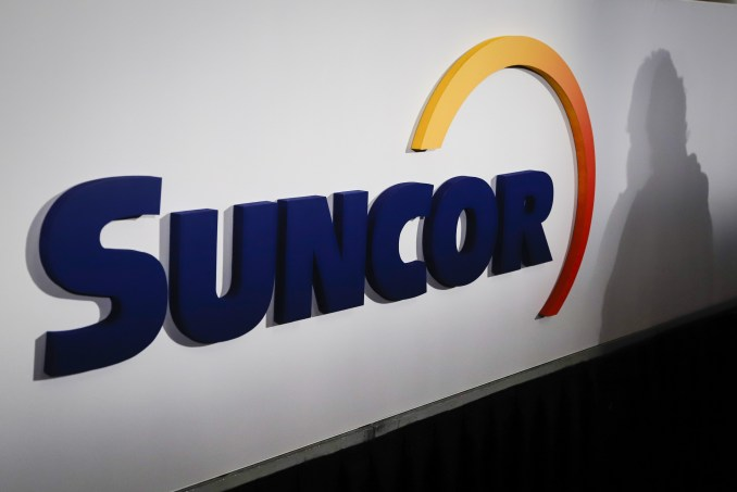 Suncor confirms death of worker operating dozer that broke through ice near Fort McMurray