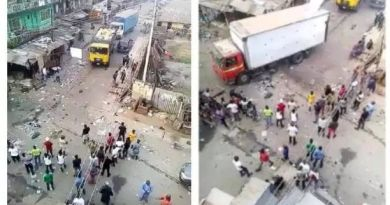 Customs and Army Reportedly raided 'okirika' shops in Yaba,Lagos