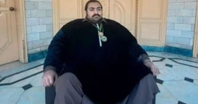 The Fattest Man on earth is looking for a girlfriend