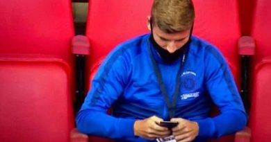 Timo Werner caught on CCTV browsing net o how to terminate Chelsea contract after FA Cup lost to Arsenal (Screenshot)
