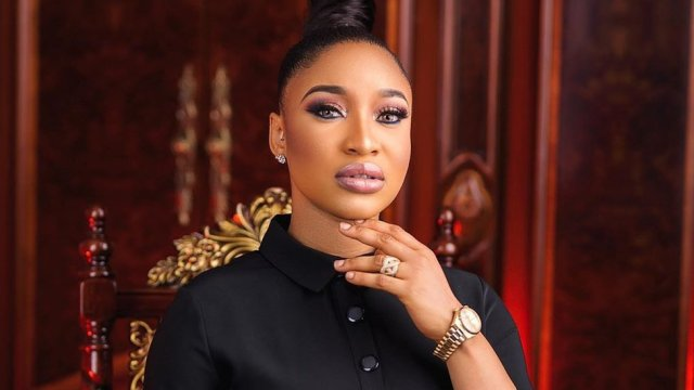 Fans rain curse on Tonto Dikeh for not joining the #EndSARS protest
