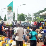 Despite NNPC's assurances, fuel scarcity intensifies as petrol hits N400 per litre