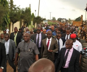 Abia state Governor, Dr. Okezie Ikpeazu (3rd left) with his deputy Rt.Hon. Udeh Okochukwu during the flag-of of Road construction in Aba admid the mammoth crowd.