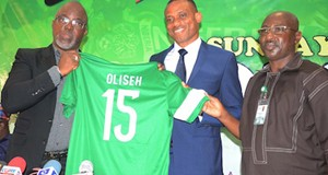 (L-R): President, Nigeria Football Federation, Mr. Amaju Pinnick; new Coach Super Eagles of Nigeria Mr. Sunday Oliseh and General Secretary NFF, Mr. Mohammed Sanusi, during the inauguration of Oliseh as Super Eagles new coach in Abuja recently