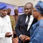 (Photonews) Gov. Ambode pays condolence visit to Disu Family