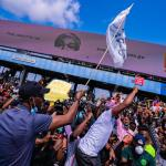 #ENDSARS: Sanwo-Olu to meet Buhari Tuesday; Addresses protesters in Lekki; Assures on compensation for victims