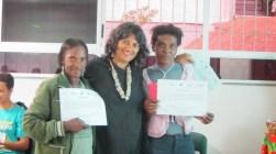 Entrega das certificações / Participants receive their certificates for participation in the workshop