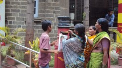 india-scholarship-rally-delivering-letters