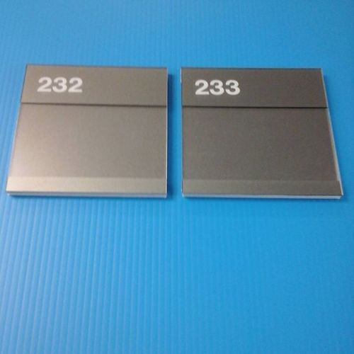 Non glare plexi / pvc room # signs