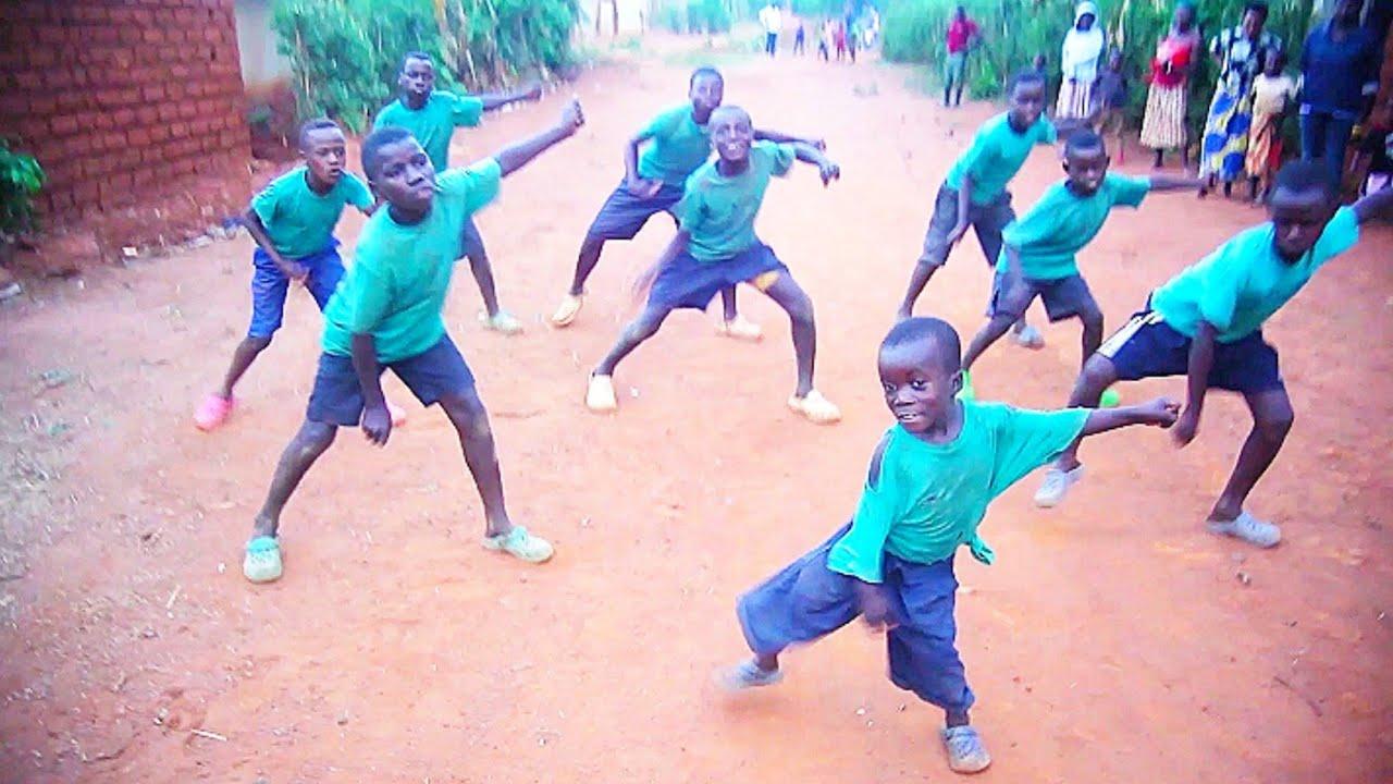 African kids dance