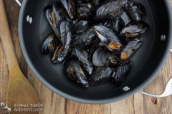 Grilled Mussels Dabbed with Barbecue Sauce