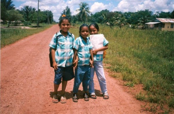 :School girls Bigi Poika by Wa El