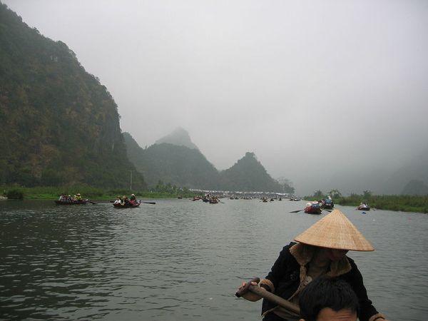 Ngo Dong River, Way to the Tam Coc caves. Photo by Juliana Ng.