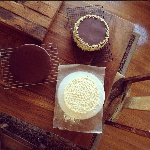 testing-three-cakes
