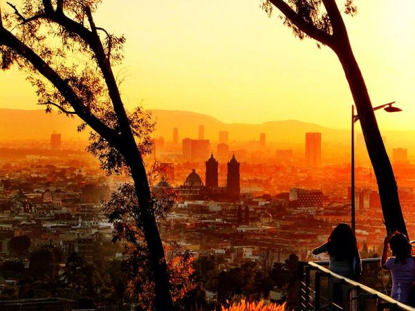 The city of Puebla, as seen from Loreto Fort. Photo by Ger1010.