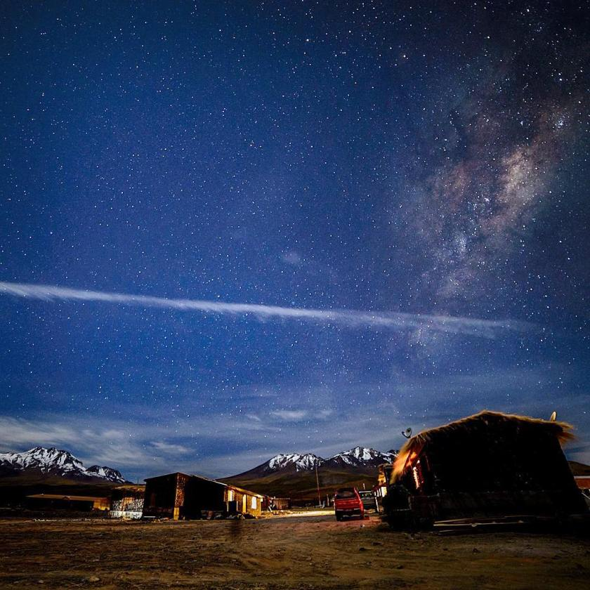 Milky Way over the Andes (Chile). Photo by El Gran Cazador (https://www.flickr.com/photos/ccc_egc/19986416710/)