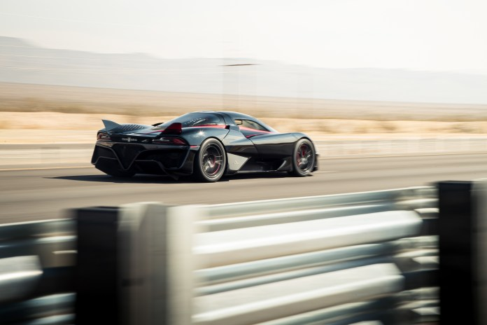 """SSC Tuatara Highest Speed Achieved on a Public Road"""" at 331.15 mph (532.93 kmh)"""