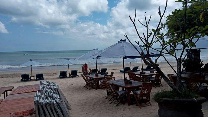 Tim's favorite beach restaurant at Jimbaran beach in Bali deserted