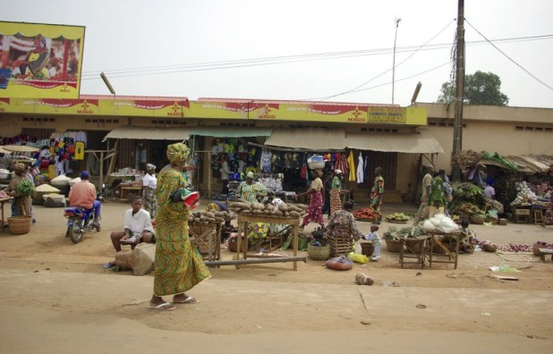 Le Marché d'Ouando Market, à Porto-Novo, Bénin Photo Babylas CC-BY-SA 30